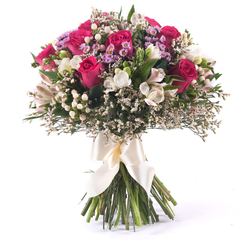 Sweet ružové ruže a biele frézie