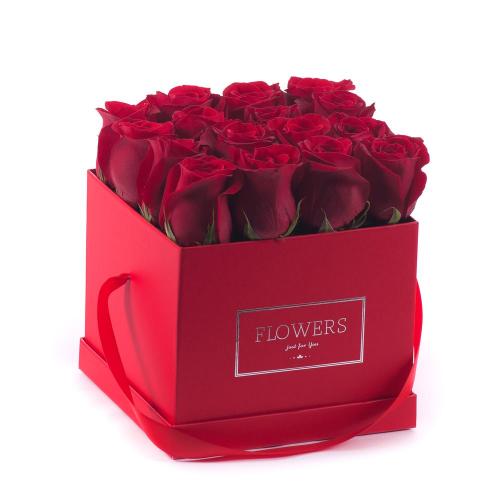 """Flower box červená kocka """"M"""" červené ruže"""