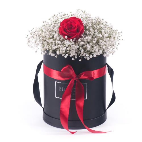 """Flower box čierny ovál """"L"""" gypsomilka a červená ruža"""