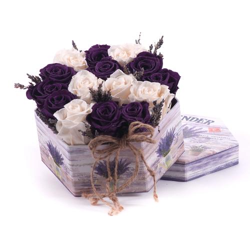 """In eterno flower box šesťhran """"M"""" maslové a  fialové ruže"""