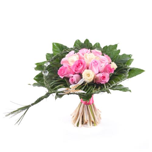 Elite krémové a ružové  ruže v pletenom srdci