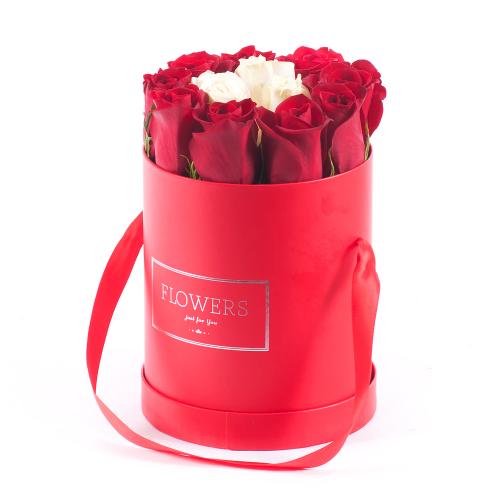 Flower box červený ovál červené a krémové ruže