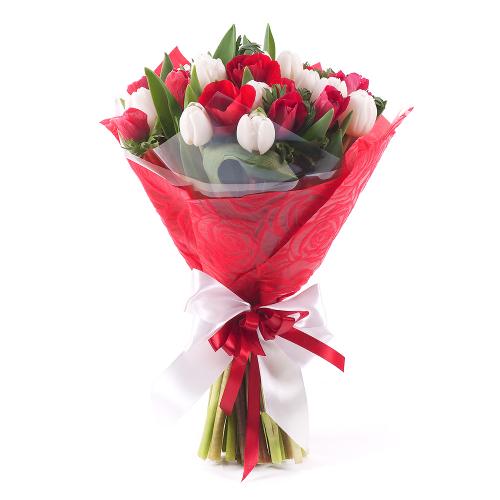 Sweet biele tulipány a červené anemone