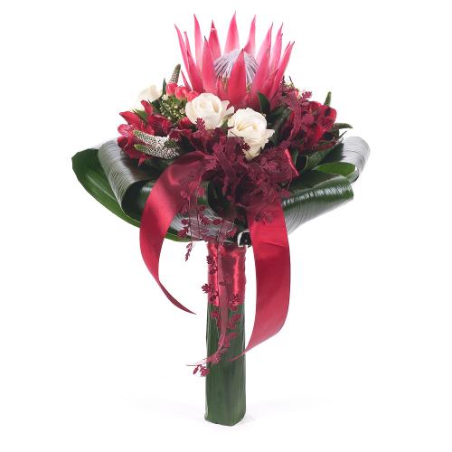 Lady krémové  ruže a protea