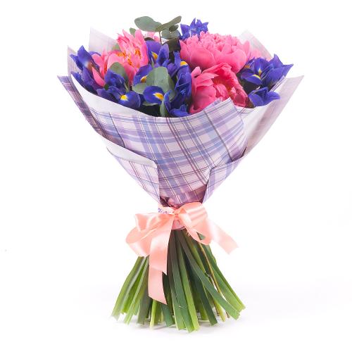 Sweet ružové pivónie a irisy