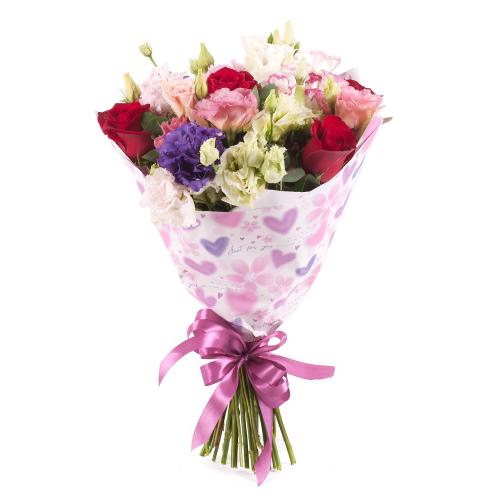 Sweet červené ruže a farebný lisiantus